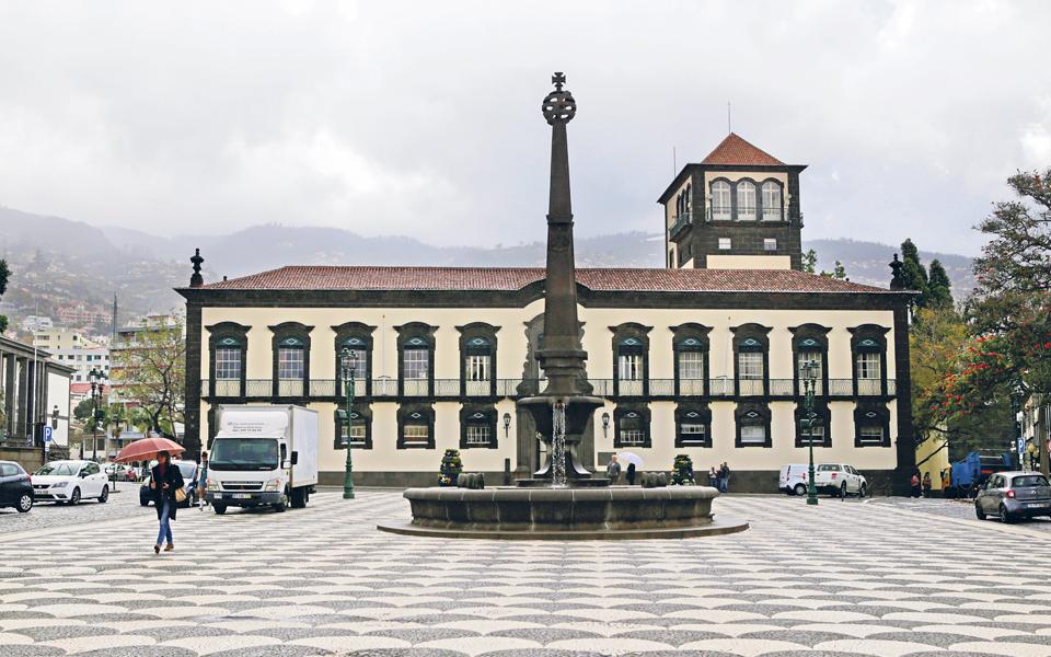 Governo e Câmara  do Funchal gastam 73,4 milhões de euros