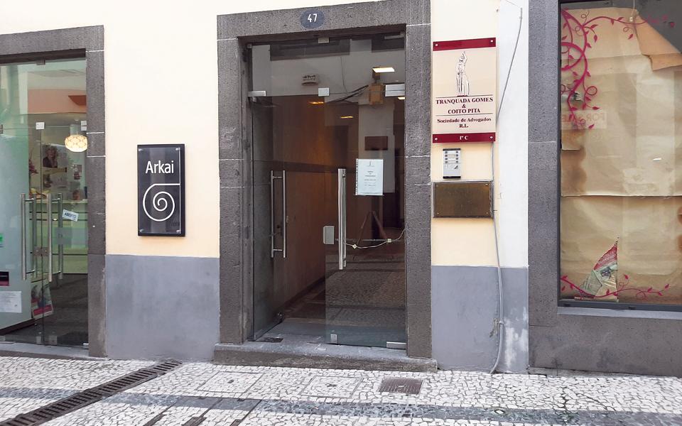 Governo e CINM mantêm silêncio sobre Isabel dos Santos