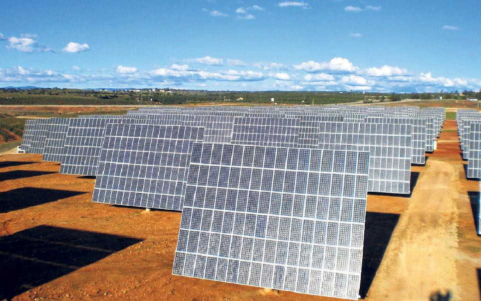 Energéticas exigem explicação sobre megacentrais solares