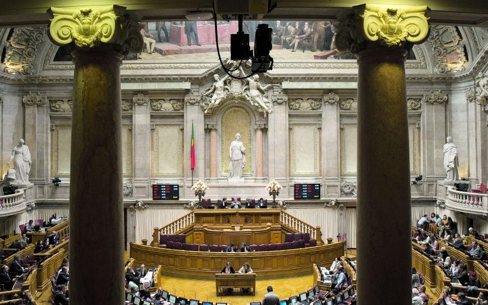 Lei da paridade: O impacto das quotas nos percursos de quatro jovens políticas
