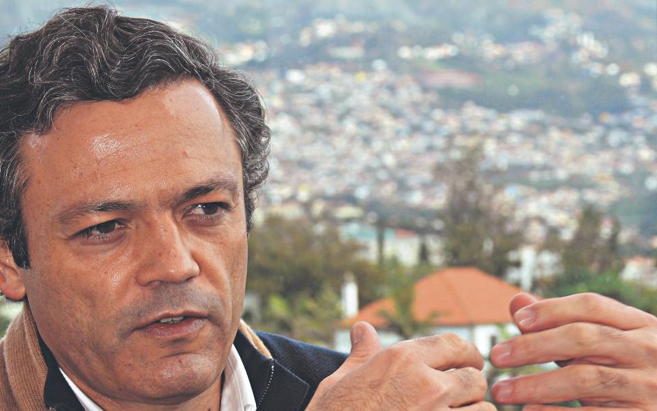 """""""O Estado português não defende os interesses da sua própria região"""""""