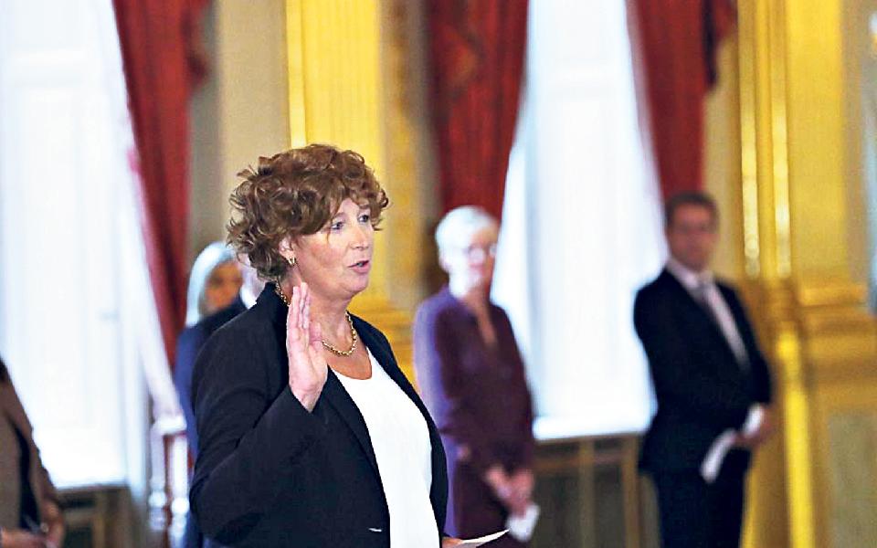 Petra de Sutter:  Uma mulher muito diferente entreos sete 'vices' do primeiro-ministro da Bélgica