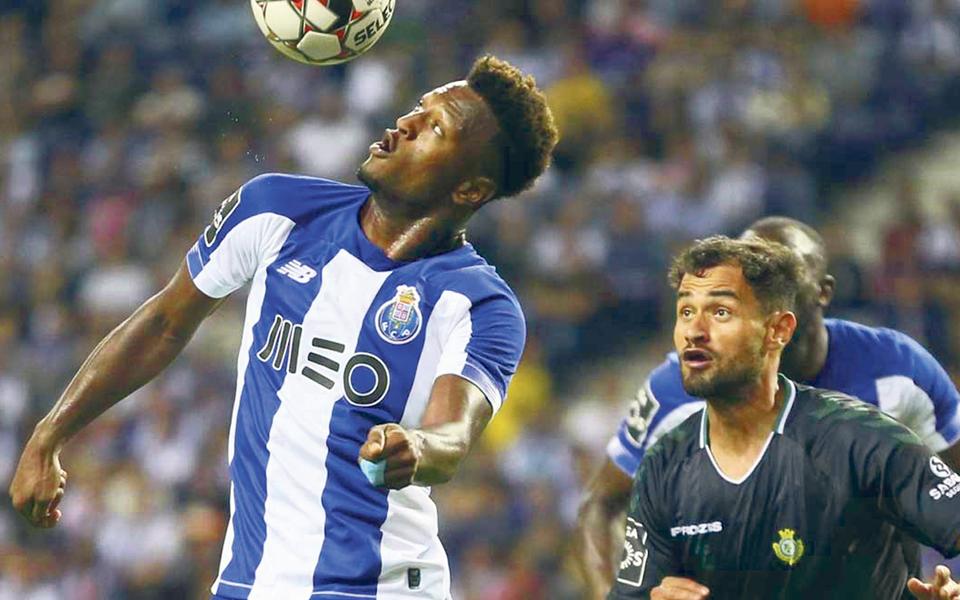 FC Porto chega ao clássico na Luz ensombrado pelo adeus à Champions