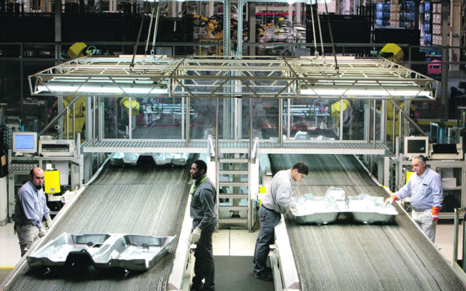 Autoeuropa inicia produção de T-Roc sob ameaça de greves