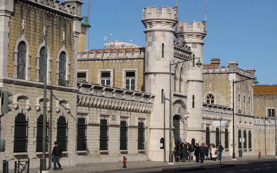 Cadeia de Lisboa fecha até 2020, abrindo a porta a negócio de milhões