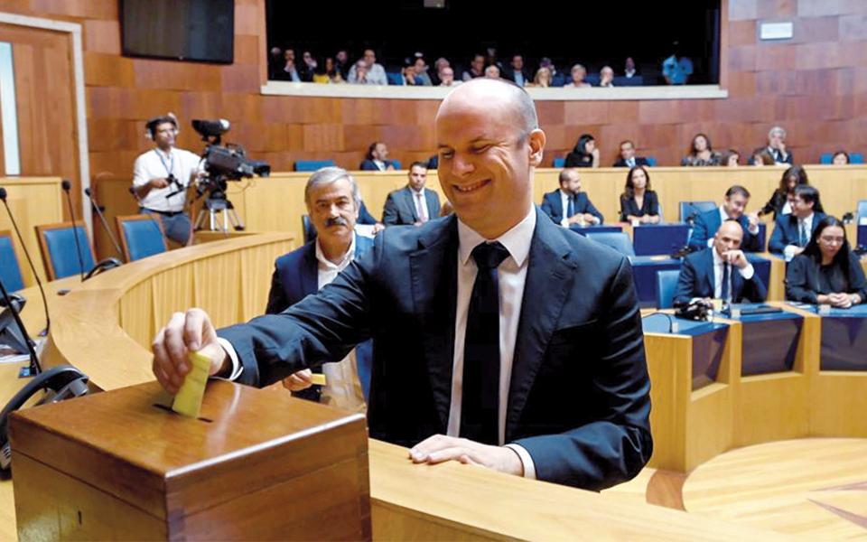 Governo da Madeira passa com nota positiva gestão da pandemia