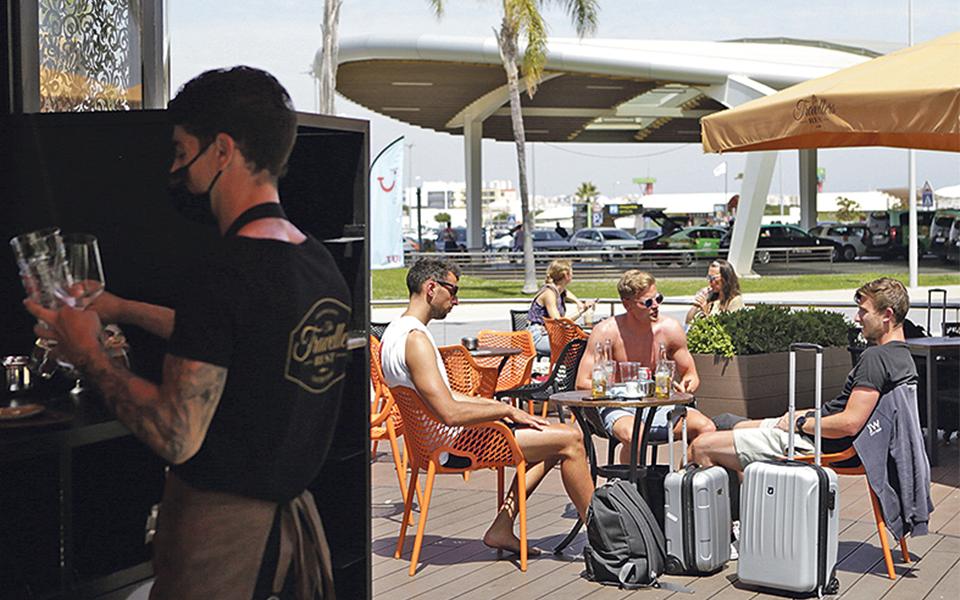 IVAucher: Restaurantes vão ter terminais  sem mensalidade  para alargar adesão