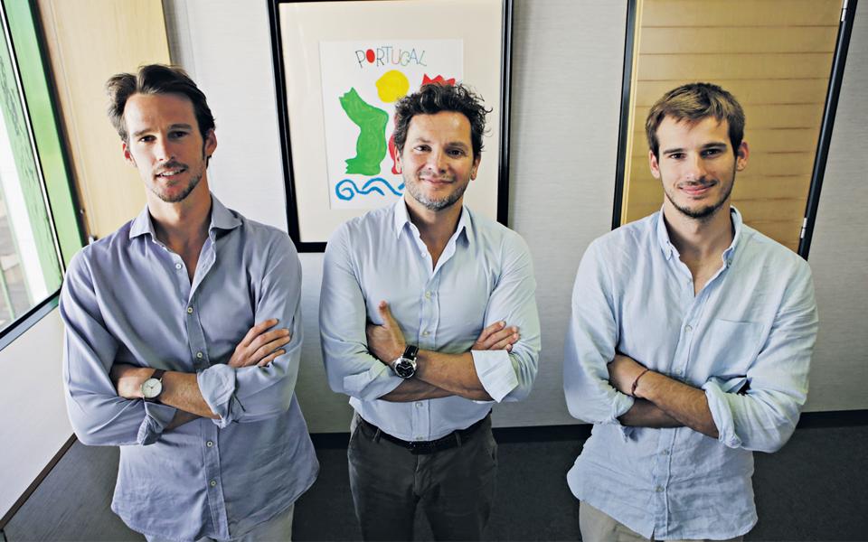 Empresas criam 'cluster' do surf