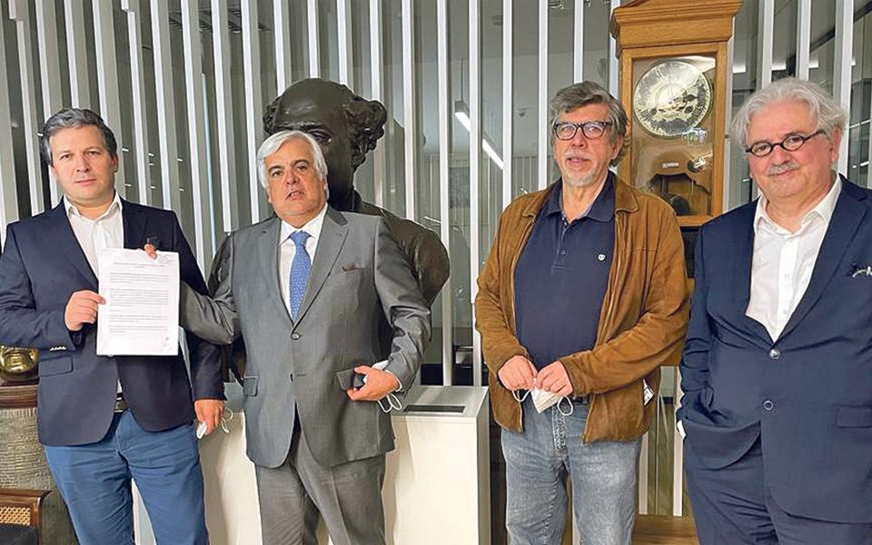 """Semanário """"Tal & Qual""""  regressa às bancas em junho"""