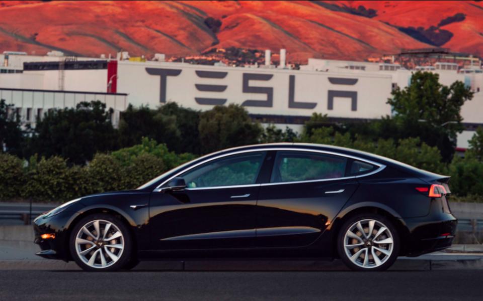 Tesla tem bateria  de sobra para dar  mais energia às ações