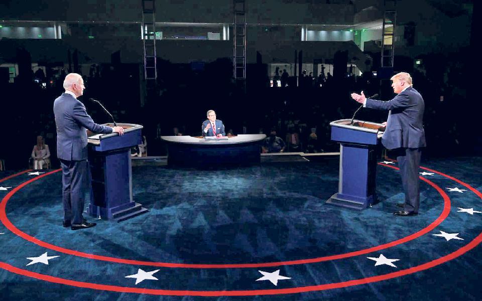 Igual a si próprio, Trump perde primeiro embate com Biden