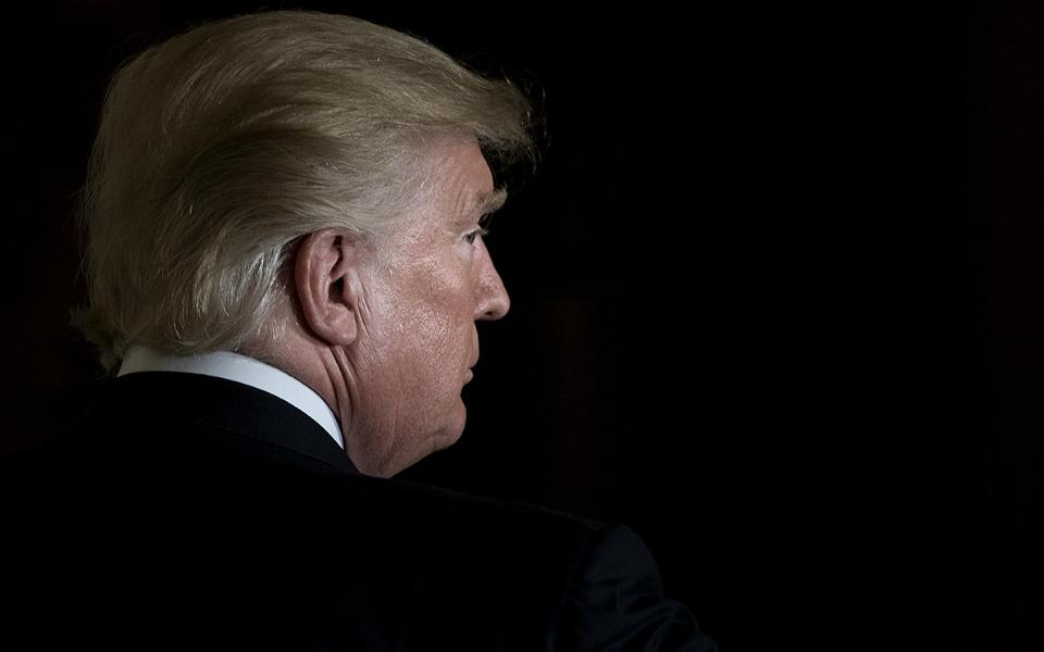 """Trump provoca  """"banho de sangue""""  no mercado petrolífero"""