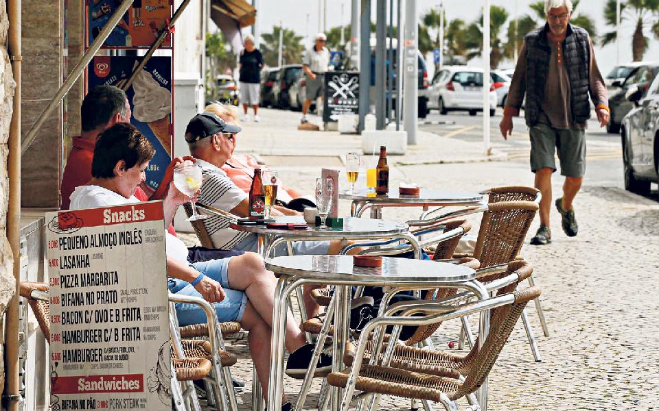 Golfe e Espanha são a chave da retoma do turismo algarvio
