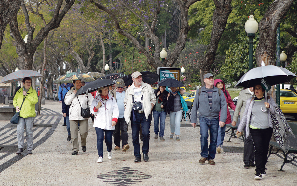 Certificados sanitários vistos como boa medida para relançar turismo
