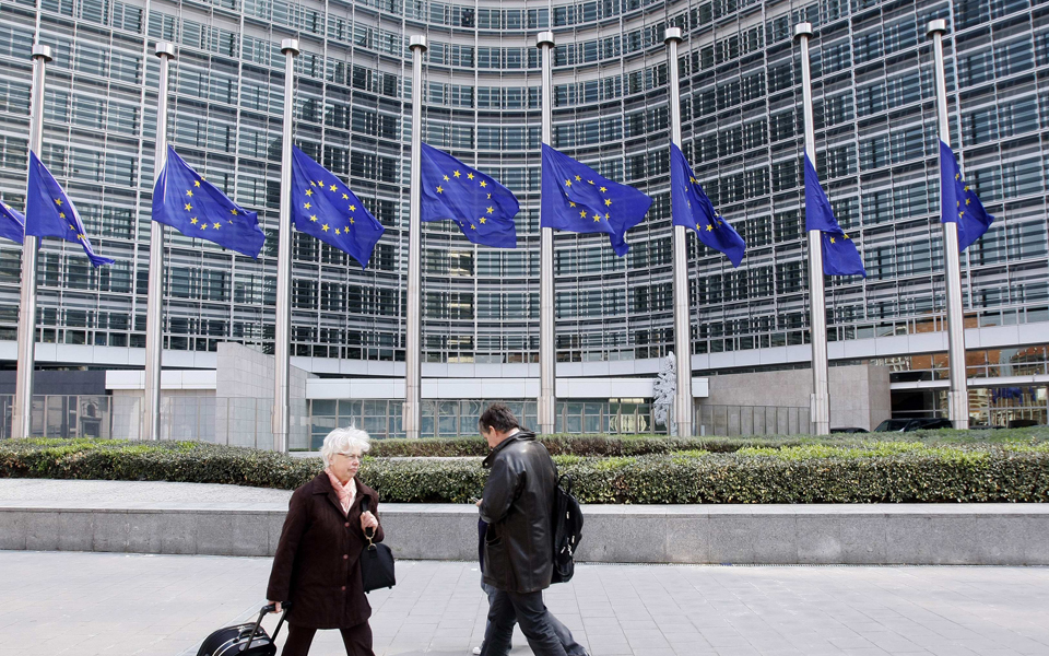 Bruxelas avalia Portugal após eleições, com abrandamento  a preocupar