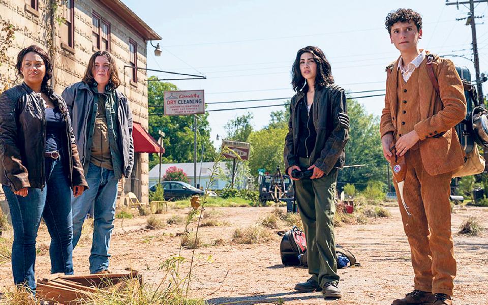 World Beyond + Fear The Walking Dead: O regresso dos mortos-vivos em dose dupla