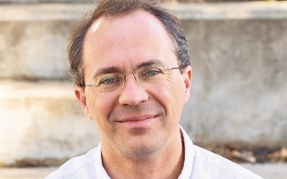 Autonomia fiscal  e reorganização  do PS são bandeiras de Carlos Jardim